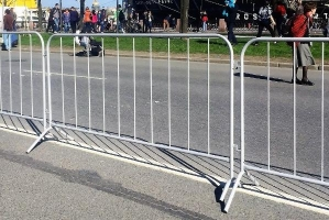 Передвижные мобильные ограждения, фан-барьеры