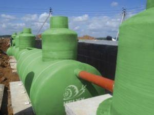 Производство больших резервуаров и емкостей для хранения воды Helyx.