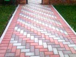Укладка дорожек тротуарной плитки на даче цена