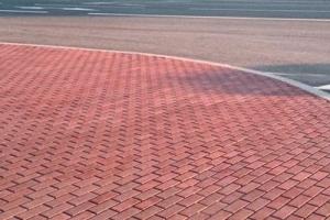 Укладка тротуарной плитки в Московской области цена