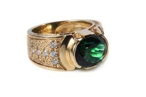 Золотое кольцо с бриллиантами и зеленым турмалином