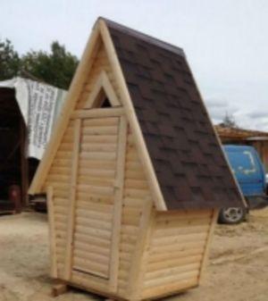 Деревянный туалет Теремок