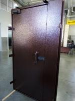 Дверь металлическая с порошковой окраской