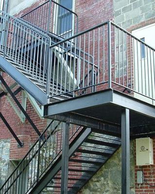 Изготовляем заборы, гаражи, ворота, навесы, лестницы, ангары.