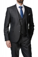 Мужской классический приталенный костюм тройка