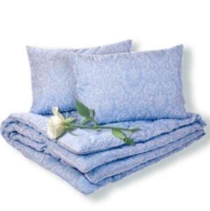 Одеяла и подушки серии премиум в 100%-ном хлопке с наполнителями из верблюжьей и овечьей шерсти, шелкового, бамбукового, эвкалиптового волокна, волокна крапивы и льна, и пухо-перового наполнителя.