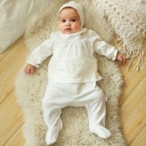 Комплект на выписку для новорожденной девочки