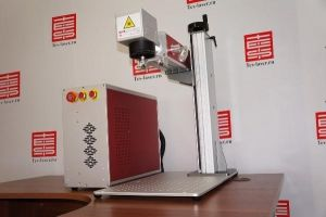 Оптоволоконный лазерный маркер/гравер 30W