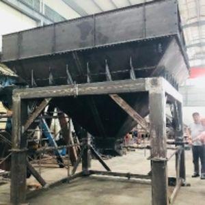 Погрузочный бункер для навалочных сухих сыпучих материалов