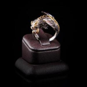 Серебряное кольцо с бриллиантами КБ189