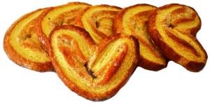 Слоеное печенье Ушки с сахаром и корицей