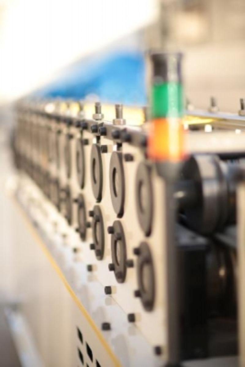 Станок для производства рольставней и рулонных дверей