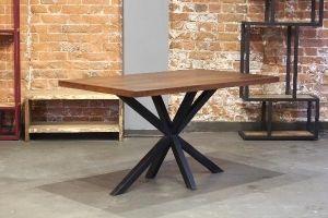 Стол в индустриальном стиле