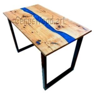 Столы из массива дерева и эпоксидной смолы