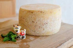 Сыр КОЗИЙ полутвердый, выдержанный