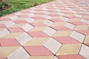 Укладка тротуарной плитки с материалами цена