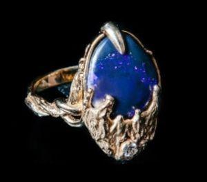 Золотое кольцо с бриллиантом и опалом