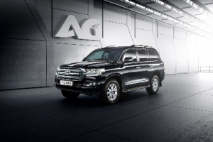 Бронированная Toyota Land Cruiser 200 от компании «АрморГрупп»