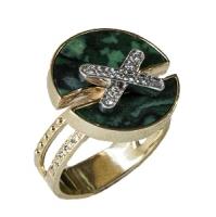 Золотое кольцо с бриллиантами и малахитом